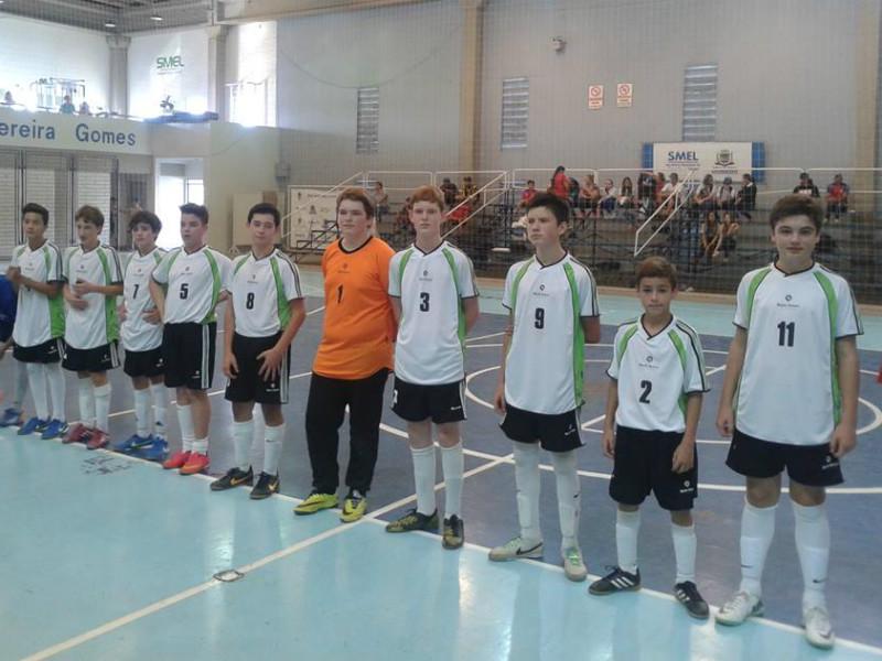 Futsal masculino, campeão na categoria B.