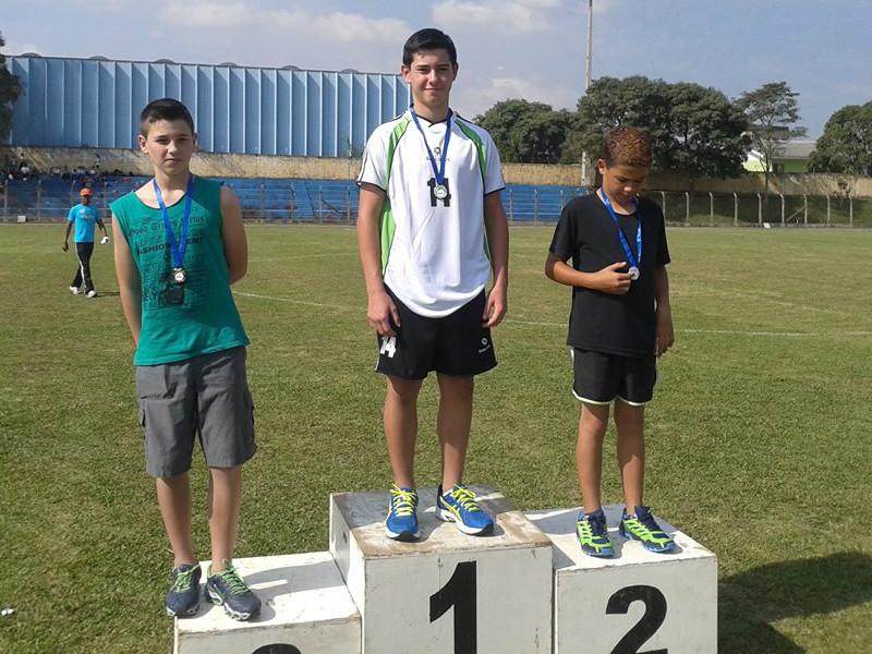 Rodrigo Vinicius Gapski Barbosa, campeão nos 400m rasos.