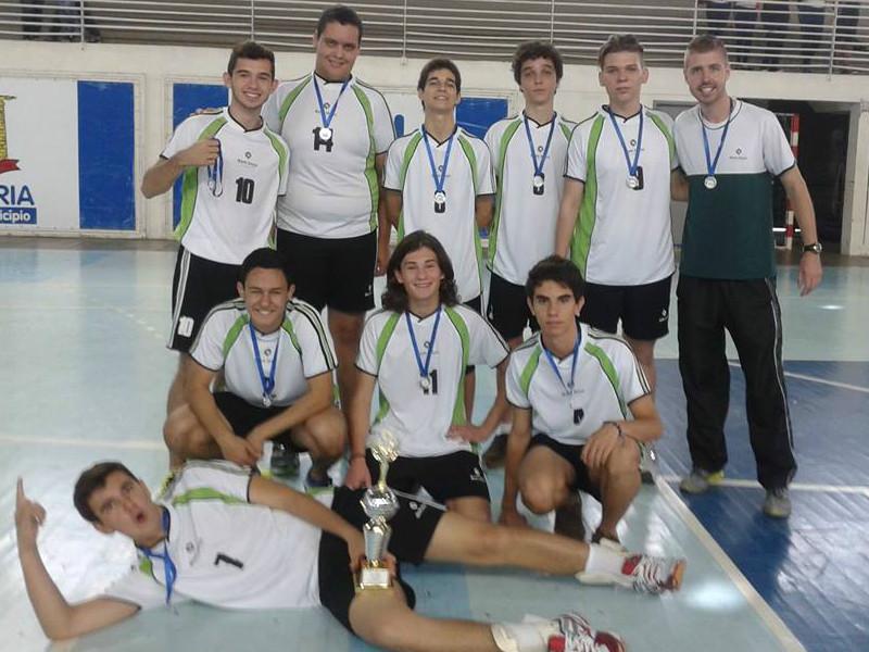 Voleibol masculino, vice-campeão na categoria A.