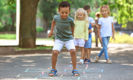 5 dicas de brincadeiras divertidas e construtivas para as férias das crianças