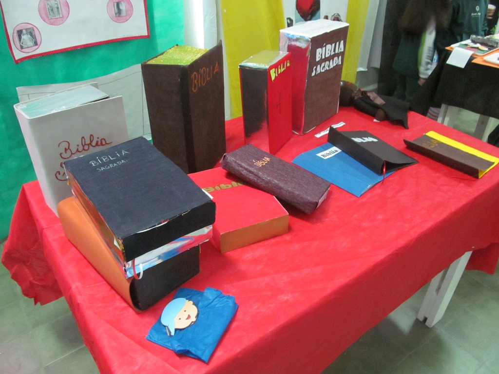 Mostra do Conhecimento realizada no Colégio Bom Jesus Rosário, em Paranaguá (PR).