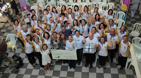 Bom Jesus e Rafa Gomes entregam doação ao HPP