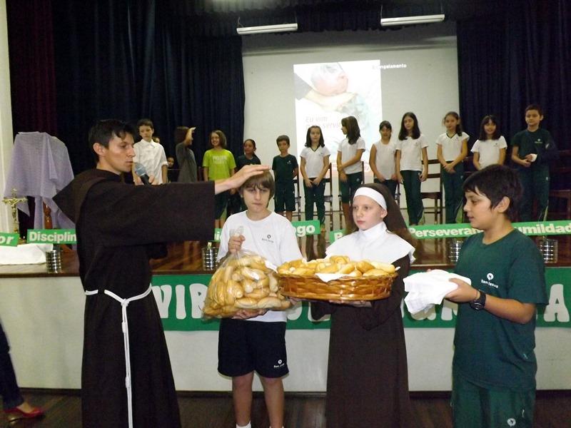 Páscoa no Bom Jesus Sévigné, em Porto Alegre (RS).