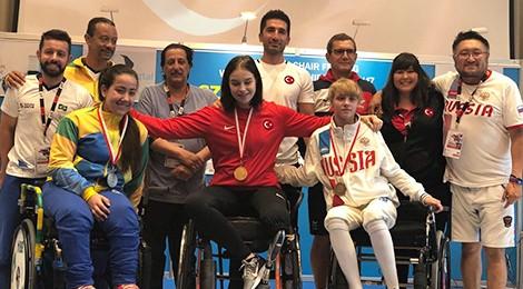 Aluna do Bom Jesus conquista medalha inédita para a esgrima brasileira