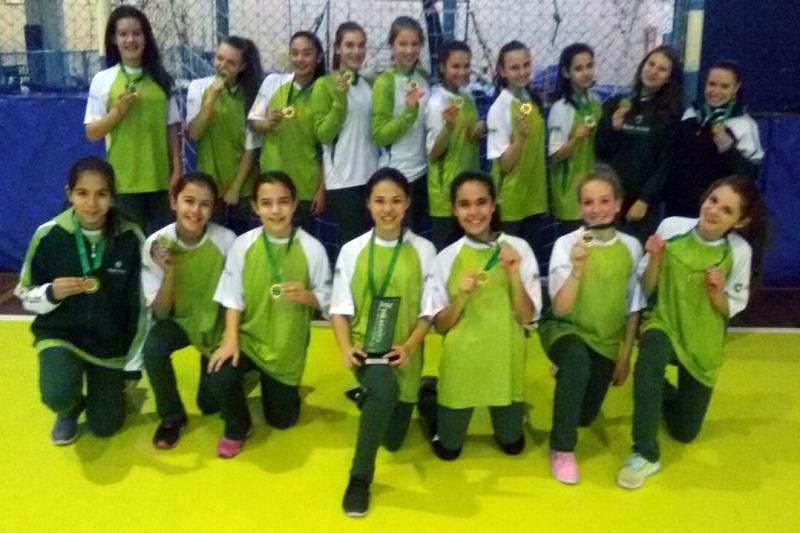 Handebol feminino do Bom Jesus é campeão dos Jogos Escolares de Curitiba.