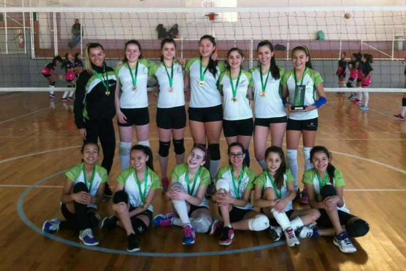 Voleibol feminino do Bom Jesus é campeão dos Jogos Escolares de Curitiba.