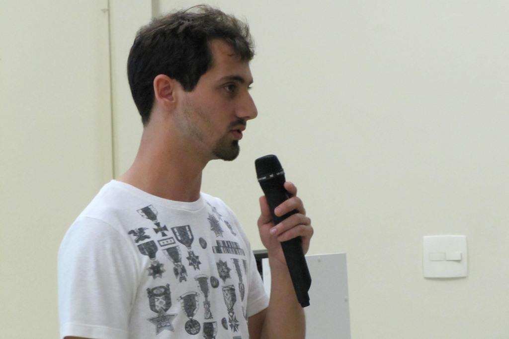 Henrique Fanini Leite, ex-aluno do Bom Jesus e nacionalmente conhecido pela conquista do primeiro lugar geral no Enem 2009.