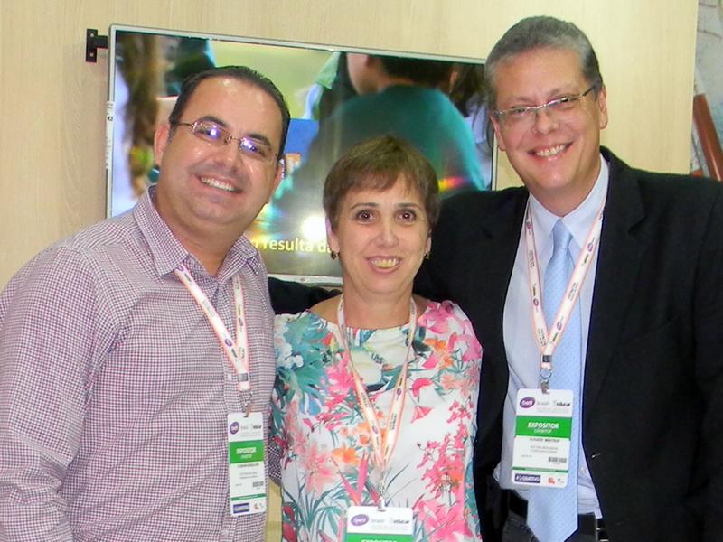 Equipe da Editora Bom Jesus (E/D): Elssonn Gonçalves, Silvana Sartor e Cláudio Mentrop.