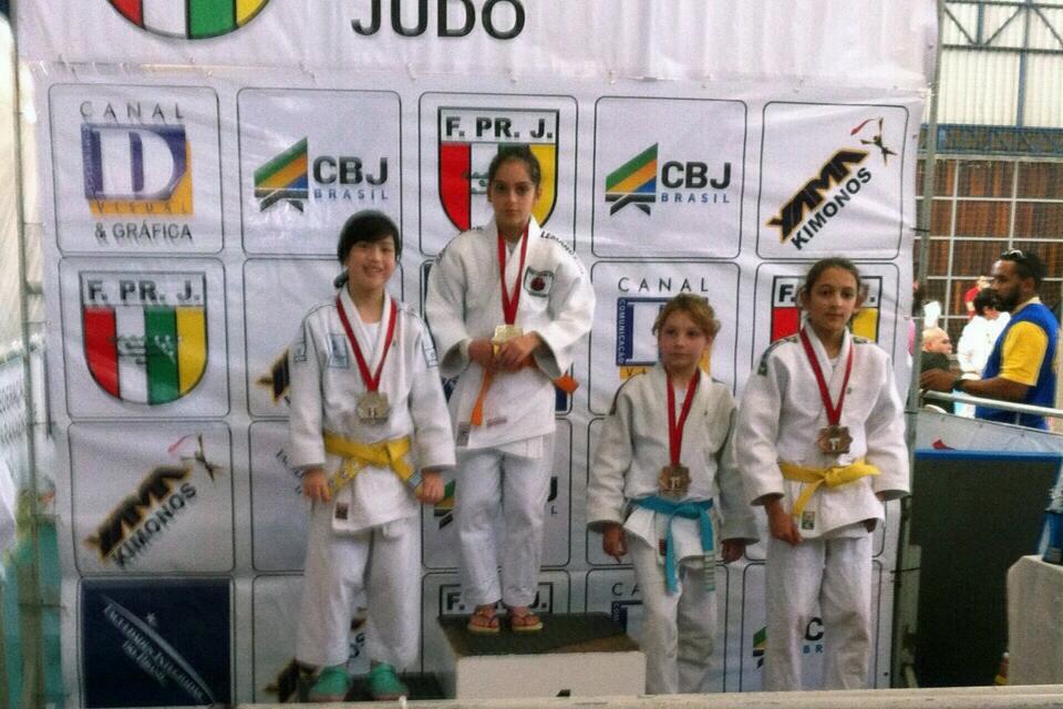 Campeonato Paranaense de Judô - Camila Kay, vice-campeão na categoria Sub-13 até 31 kg.