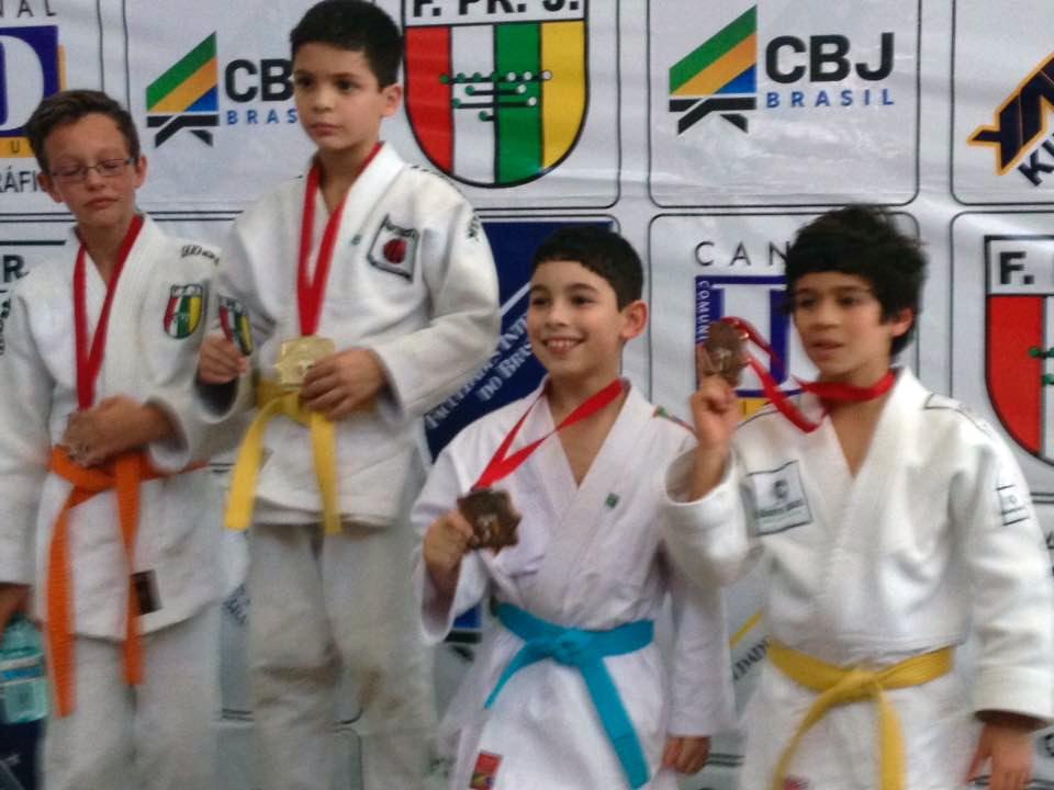 Campeonato Paranaense de Judô - Lorenzo Saçaki, 3.º lugar na categoria Sub-13 até 34 kg.