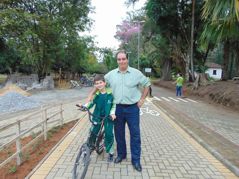Dia dos Pais no BJ Externato, em Pindamonhangaba (SP)