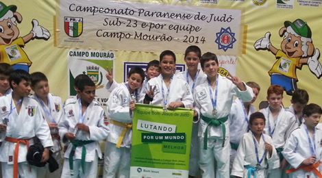 Equipe Bom Jesus é campeã no Paranaense de Judô