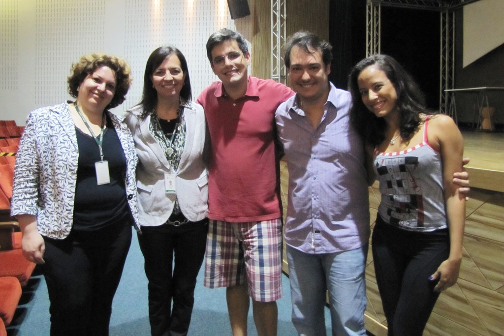Daniele Cristina Londero, advogada do Grupo Bom Jesus; Giselli Hümmelgen, gerente pedagógica do Grupo; Pedro Medina, ator; Eduardo Bakr, produtor, e Larissa Landim, atriz.