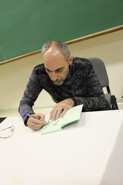 João Anzanello Carrascoza esteve no Colégio Bom Jesus Centro.