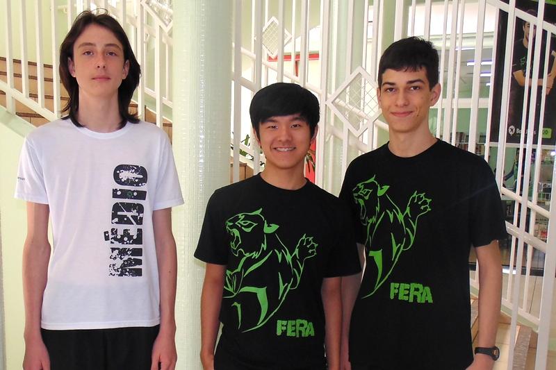 Alunos participantes da olimpíada de química da unidade Bom Jesus Santo Antônio, em Rolândia (PR)