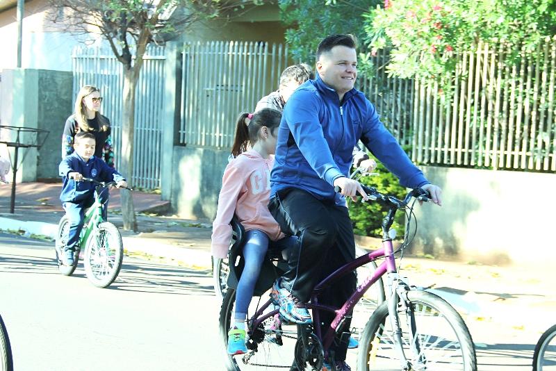 Dia dos Pais no Bom Jesus Mãe do Divino Amor, em Arapongas (PR)