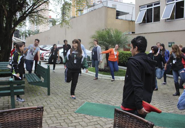 Colaboradores do Bom Jesus na unidade administrativa Lamenha Lins, em Curitiba (PR).
