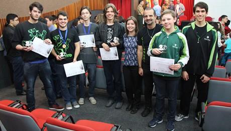 Alunos do Bom Jesus são premiados na Olimpíada de Física