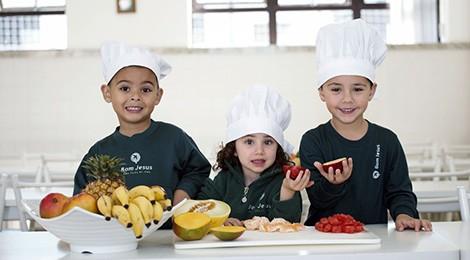 Como ensinar alimentação saudável para o seu filho